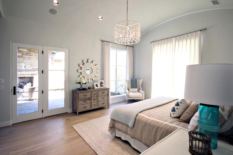 Bedroom - modern bedroom idea in Dallas
