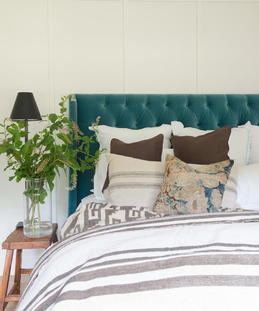 Cottage bedroom photo in New York