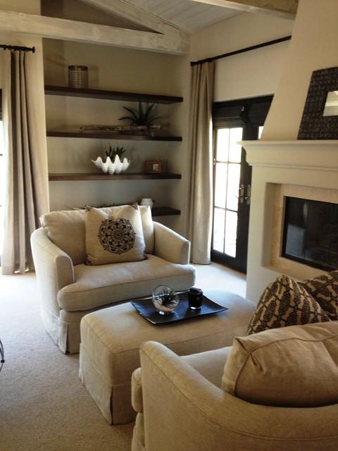 Cottage bedroom photo in Santa Barbara