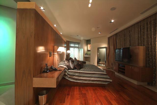 MoRo contemporary-bedroom