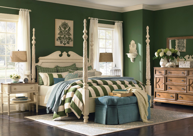 Moultrie Park Poster Bed by Bassett Furniture - Traditional ...