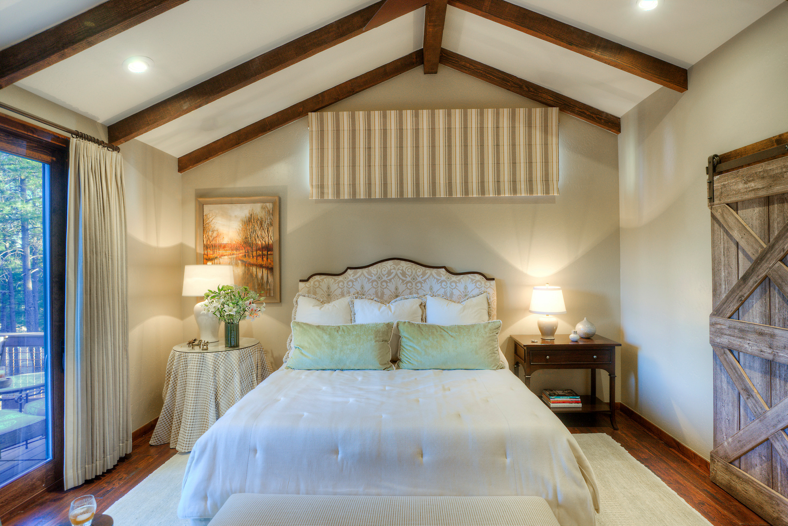 Mountain Living - Master Suite