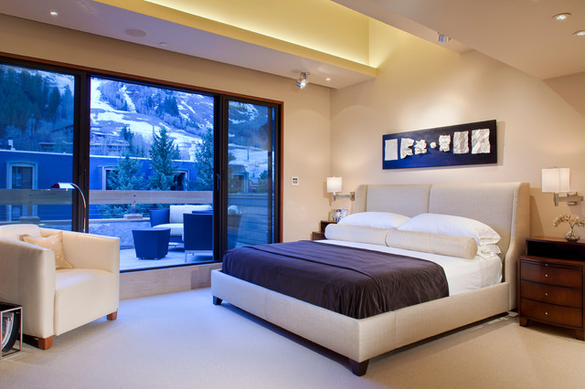 Mountain views from master bedroom in contemporary for Mountain modern bedroom