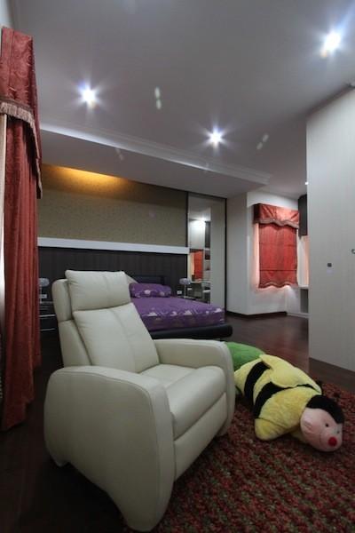 Ms Dina Project Cimanggis Indonesia modern-bedroom