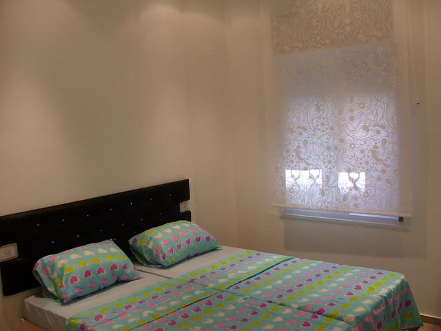msilat yesharim one bedroom modern-bedroom