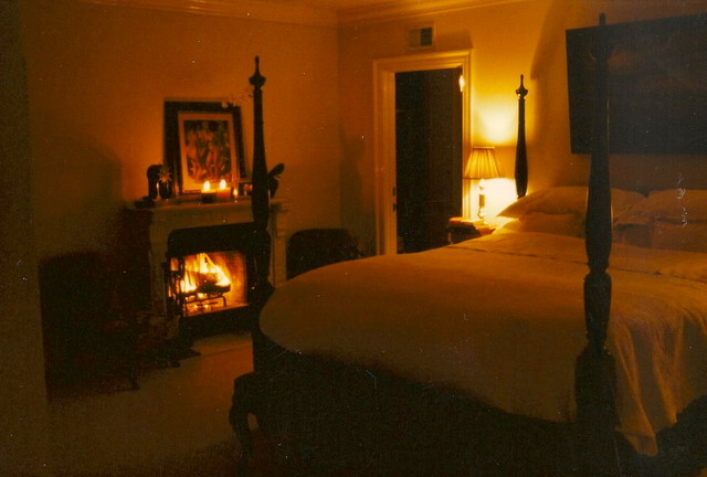 Mulholland Drive traditional-bedroom