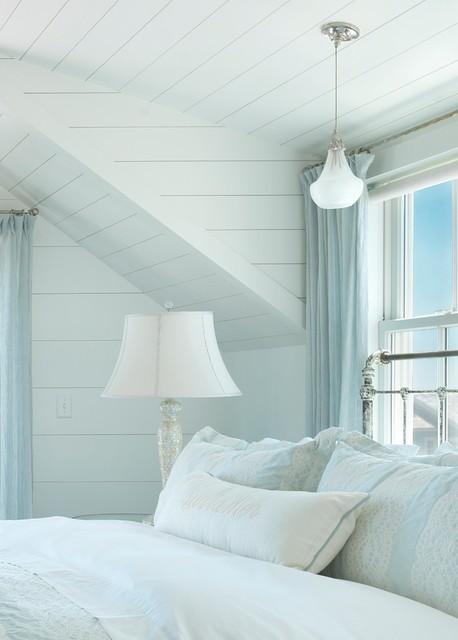 My Favorite Rooms: A Nantucket Bedroom beach-style-bedroom