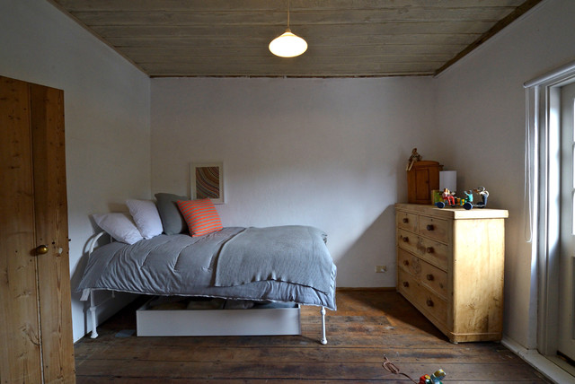 My Houzz: 140 year old mud brick home farmhouse-bedroom