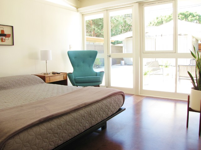 houzz a mid century marvel revived in long beach midcentury bedroom