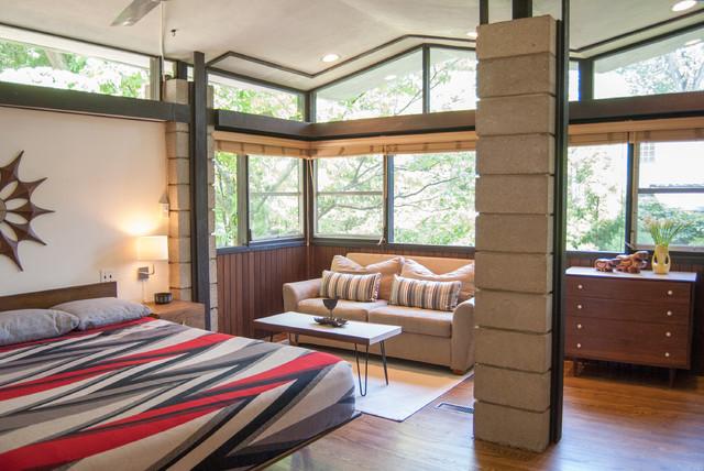 My Houzz: Matthew + Bobbie Fisher midcentury-bedroom