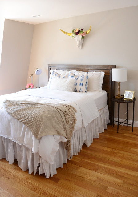 my houzz eclectic style for a south boston rental clectique chambre boston par faith. Black Bedroom Furniture Sets. Home Design Ideas