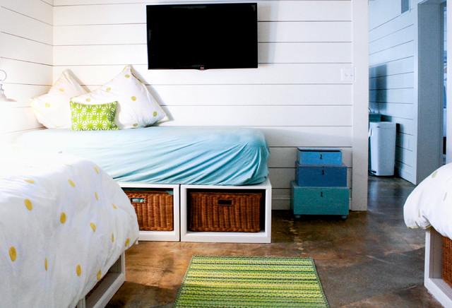 My Houzz: Gerardi Beach Home beach-style-bedroom