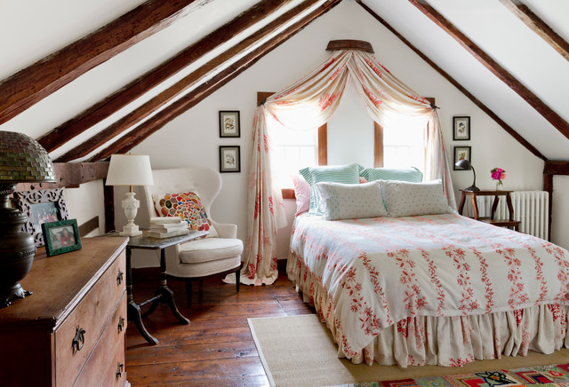 my houzz global details add character to a connecticut farmhouse campagne chambre new. Black Bedroom Furniture Sets. Home Design Ideas