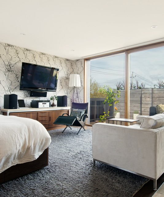 My Houzz: Media Area transitional-bedroom