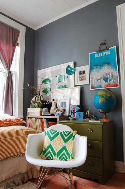 My houzz mid century modern d cor meets bold textiles in for Eclectic bedroom ideas