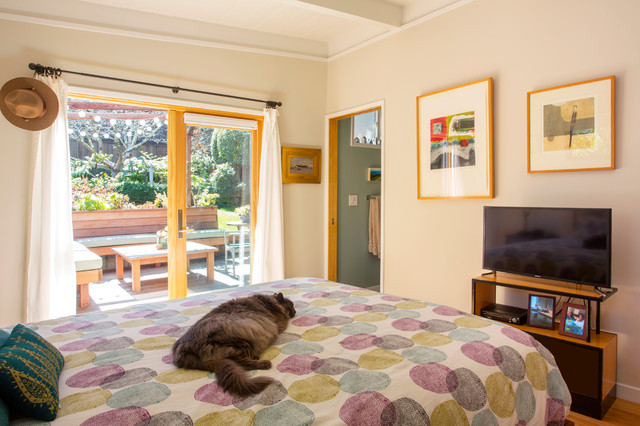 My Houzz Rethinking A Home S Layout For A Master Suite Midcentury Bedroom San Francisco
