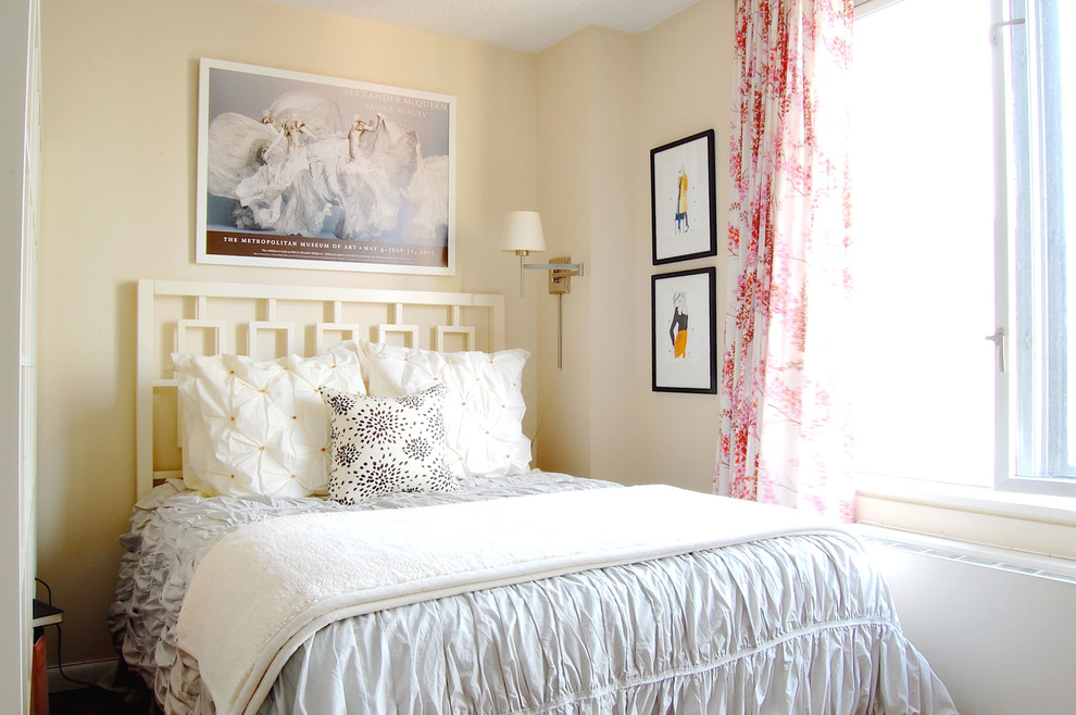 Cottage chic bedroom photo in New York with beige walls and no fireplace