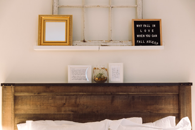 My Houzz: Sweet Styling Details in a D.C. Apartment eclectic-bedroom
