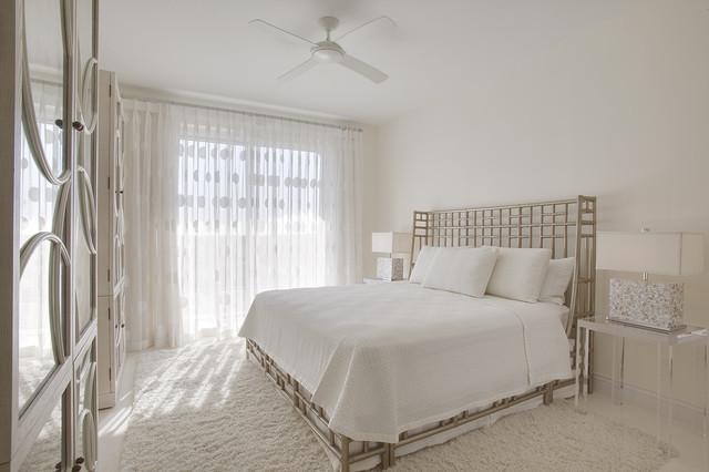 modern bedroom by Joie Wilson