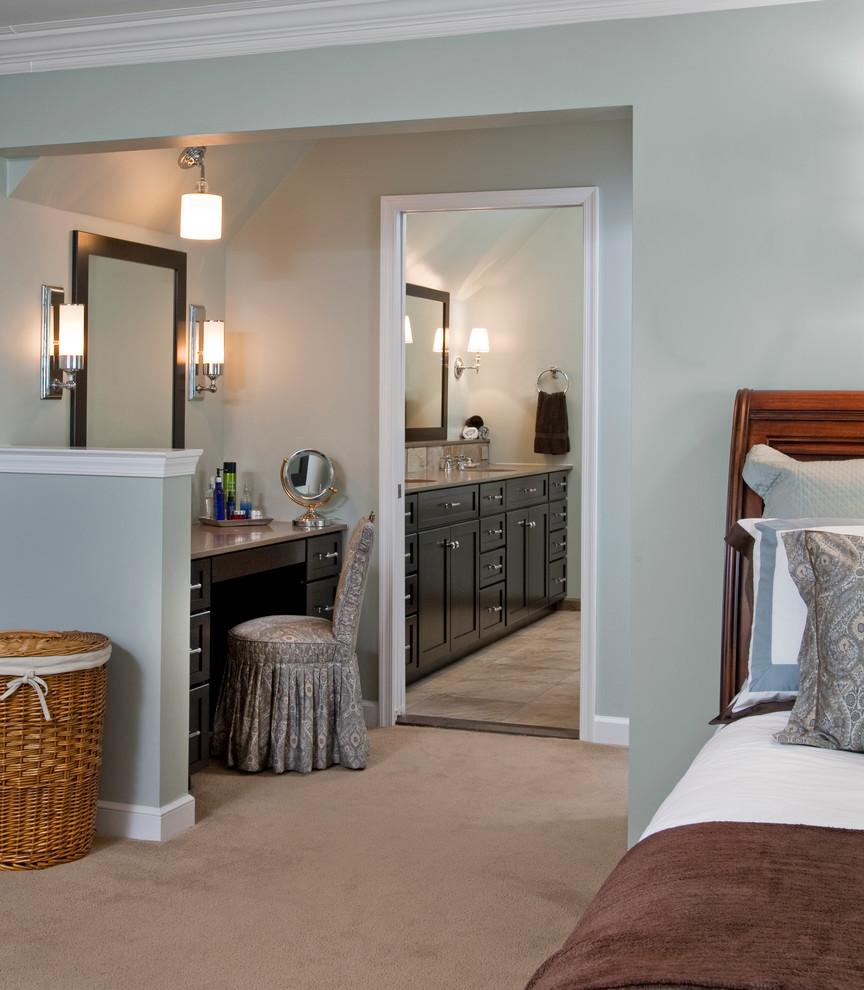 Example of an eclectic bedroom design in Philadelphia