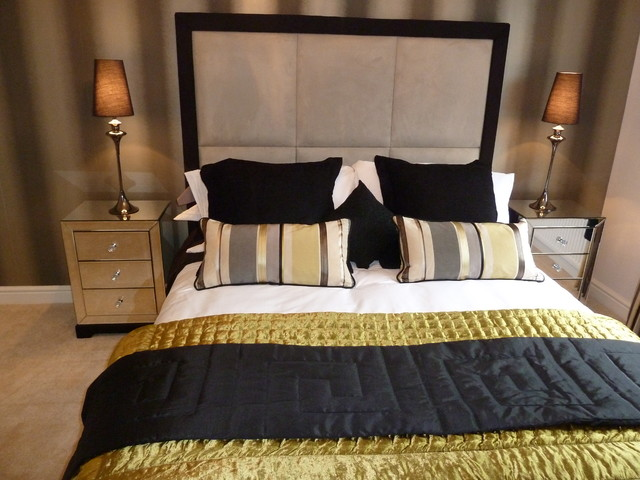 New build home staging contemporary-bedroom