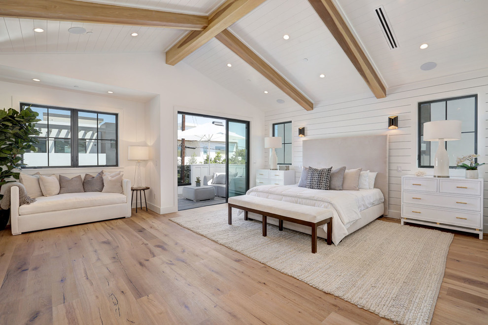 Inspiration for a farmhouse bedroom remodel in Los Angeles
