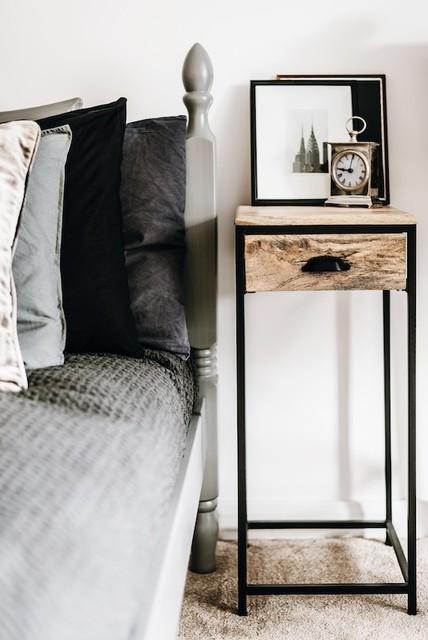 Repair Bedroom In A Loft Style : Interior Designers & Decorators