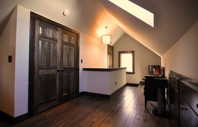 Newell Park Attic Master Suite Contemporary Bedroom Minneapolis By Brownsmith Restoration