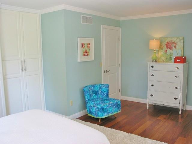 Niesz Vintage Eclectic Bedroom Cincinnati