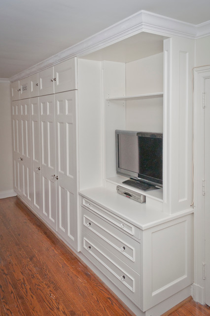 North York closet traditional-bedroom