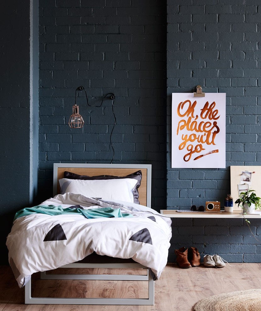 Inspiration for a mid-sized contemporary bedroom remodel in Melbourne