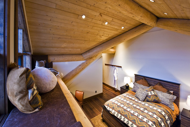 OKANAGAN LOG HOME eclectic bedroom