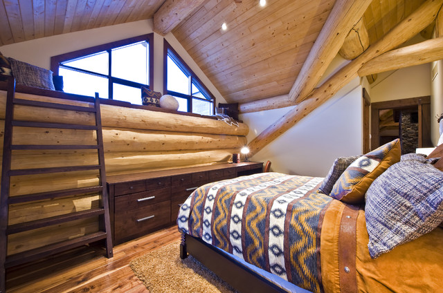 OKANAGAN LOG HOME contemporary bedroom
