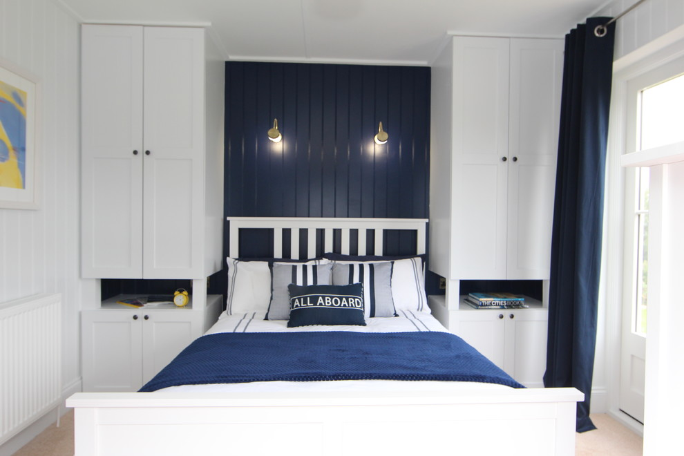 Inspiration for a timeless bedroom remodel in Glasgow