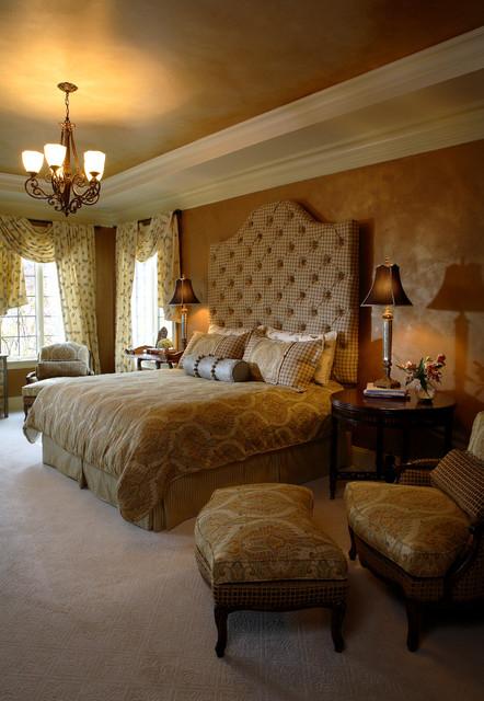 Opulent Traditional Style Formal Dining Room Furniture Set: Opulent Master Suite