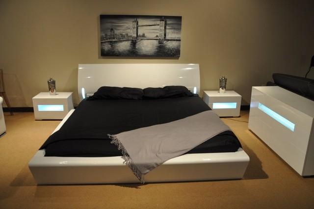 Orca Contemporary Platform Bed W/ Lights