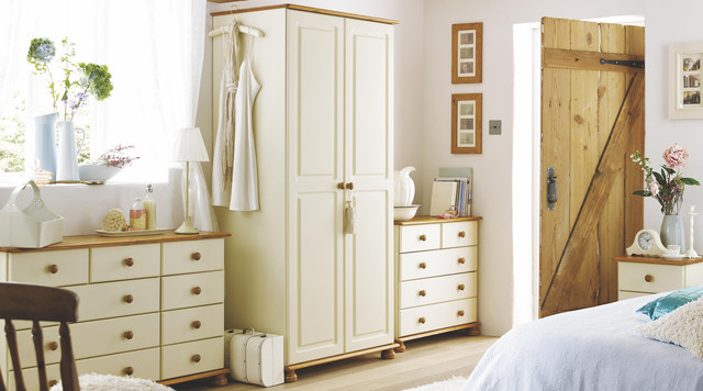 Oslo Cream & Solid Pine Free-standing Bedroom Furniture ...