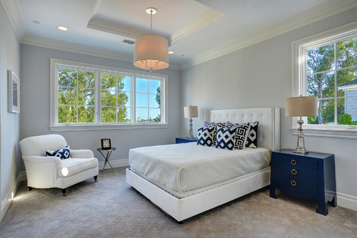 グレー系の壁紙を使った寝室
