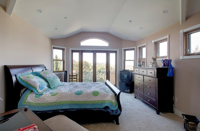 Palomar Park traditional-bedroom