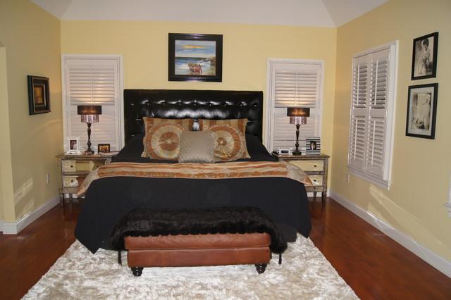Paoli traditional-bedroom