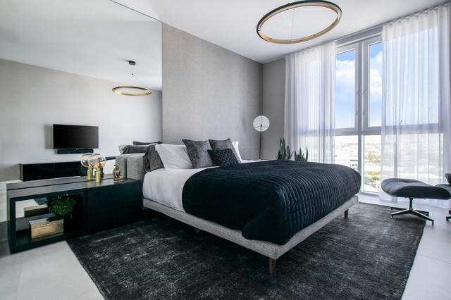 PARAMOUNT BAY - Contemporary - Bedroom