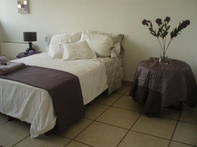 Pent House Magnolias contemporary-bedroom