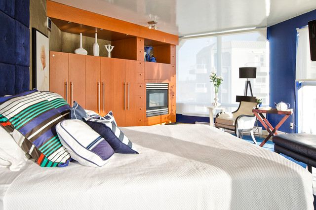 Penthouse modern-bedroom