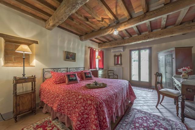 Podere erica farmhouse in chianti in campagna camera for Camera da letto di campagna francese