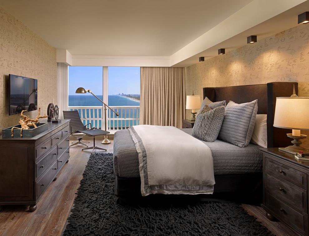 Bedroom - transitional bedroom idea in Miami