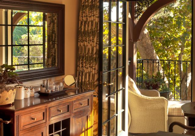 Pomello Residence traditional-bedroom