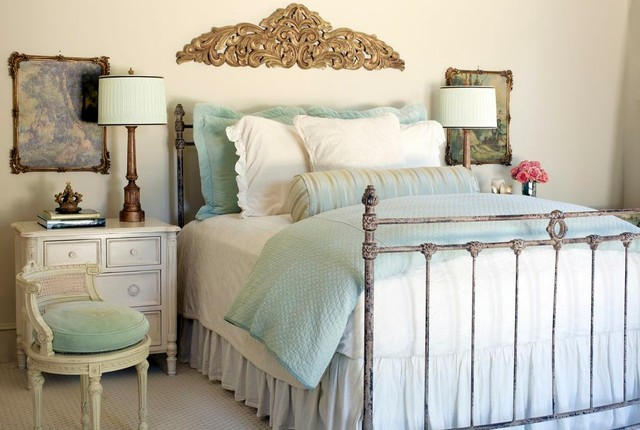 Pool House shabby-chic-style-bedroom
