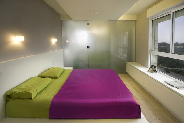 modern bedroom by HILIT