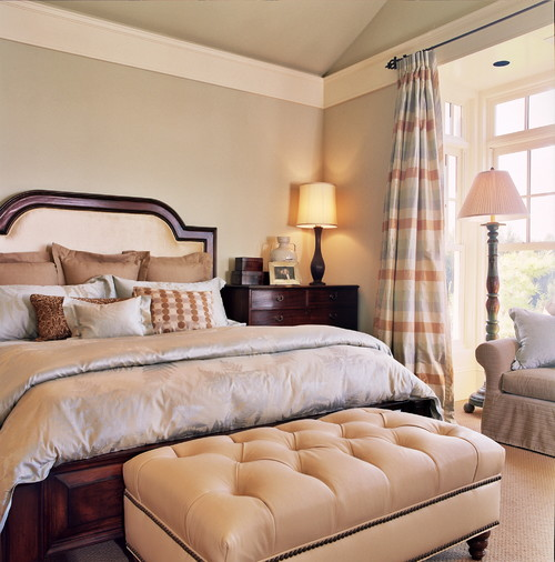 ideas for painting cathedral ceilings a home - Is the crown molding placed below the sloped ceiling