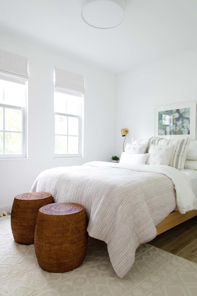 Beach style bedroom photo in Miami